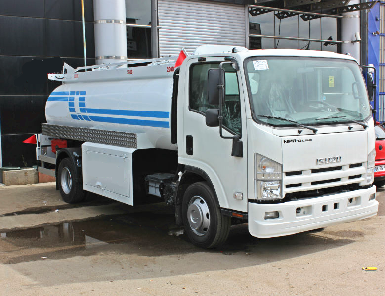 Customize a Fuel tanker truck Isuzu