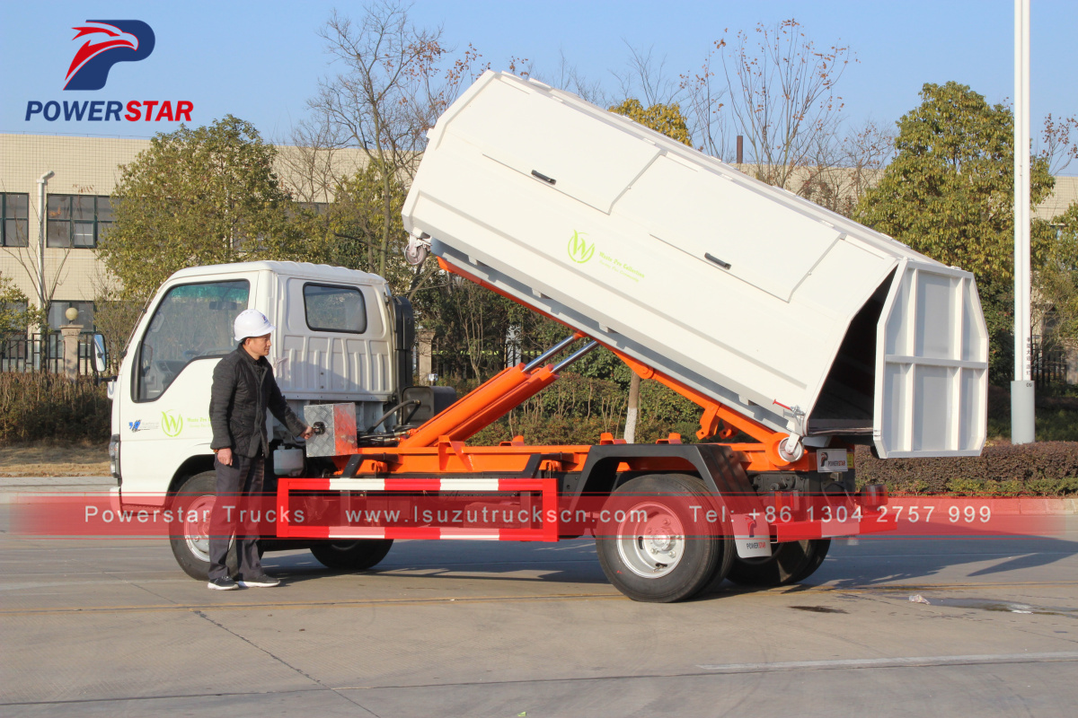 Japan Carriage Detachable Garbage Hooklift Truck Isuzu 5 Tons