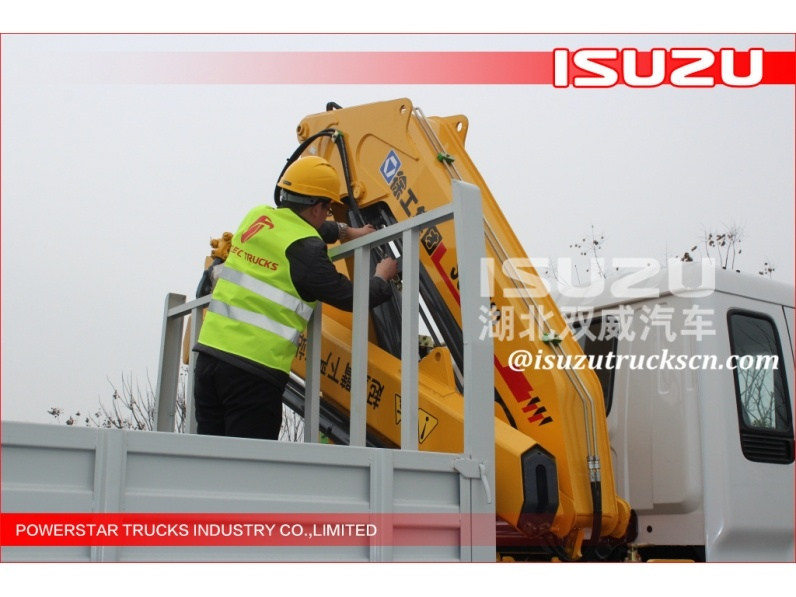 3 axles truck with loading crane, truck mounted crane, truck with crane