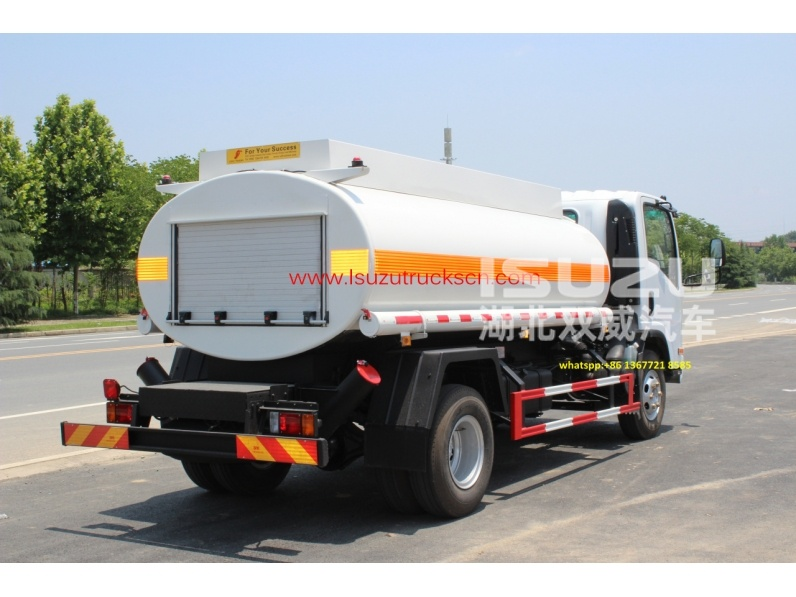 Best price 8,000L Diesel Fuel tank truck NPR ISUZU for sale